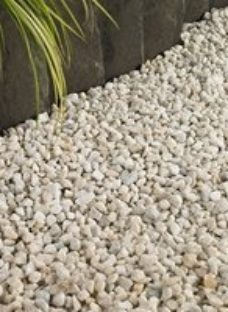 Blooma Spar White Decorative stones  Bulk Bag