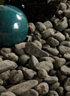 Blooma Black Stone Pebbles  790kg Bag