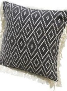 Denia Diamond rug Black & off white Cushion